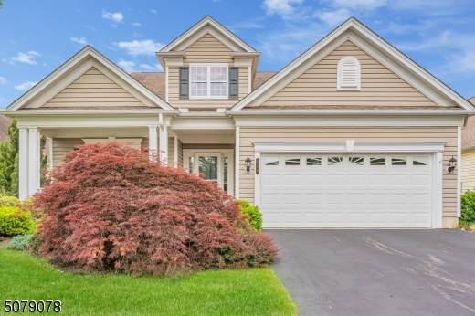 533 Rosecliff Ct, Franklin Twp., NJ 08873 (MLS #3719442) :: Caitlyn Mulligan with RE/MAX Revolution