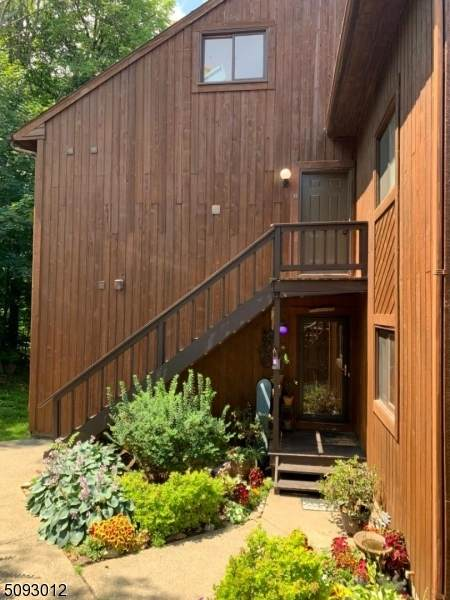 4 Eagles Nest Dr #8, Vernon Twp., NJ 07462 (MLS #3731577) :: The Debbie Woerner Team