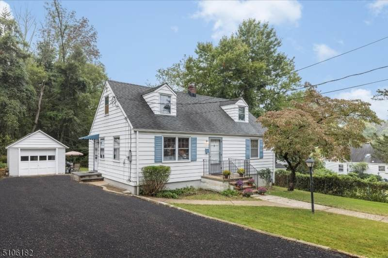 15 Gallagher Rd - Photo 1