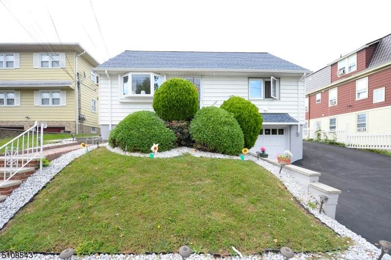 158 Dundee Ave - Photo 1
