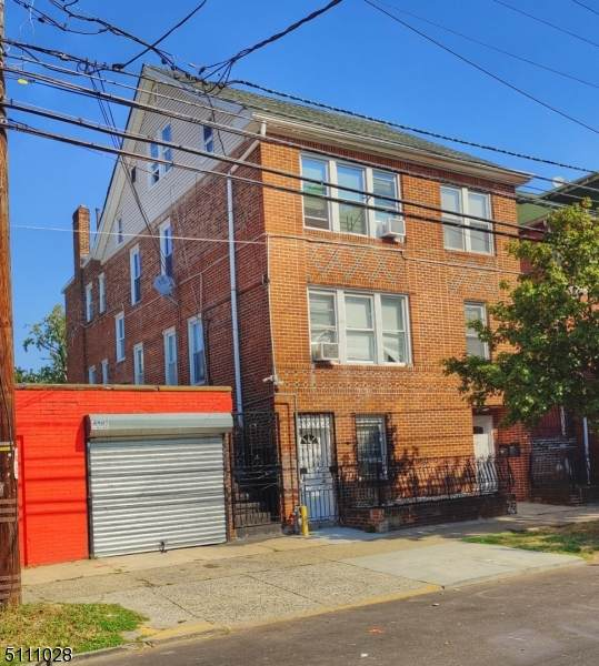 317 2ND AVE W, Newark City, NJ 07107 (MLS #3747791) :: Zebaida Group at Keller Williams Realty