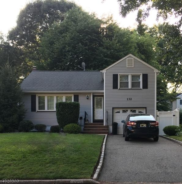 132 Princeton Ave, Rahway City, NJ 07065 (MLS #3402725) :: The Dekanski Home Selling Team