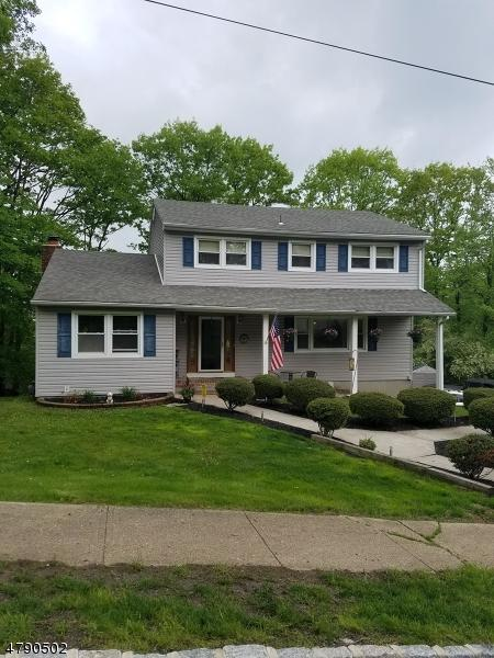 1 Lopatcong Ave, Roxbury Twp., NJ 07850 (MLS #3457934) :: William Raveis Baer & McIntosh