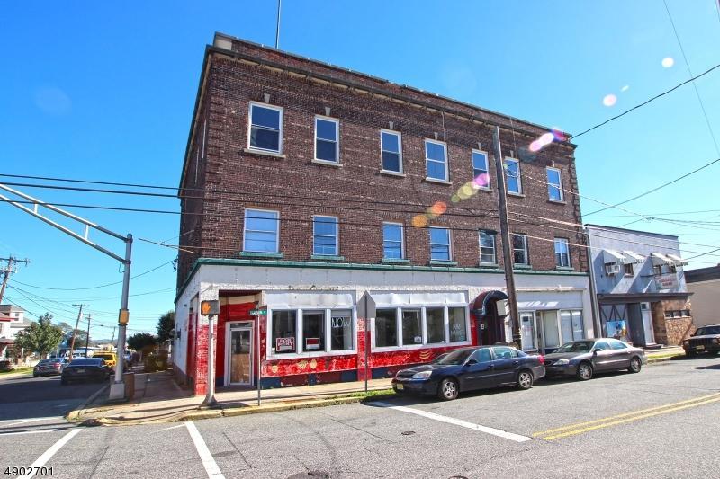 154 Hudson St - Photo 1