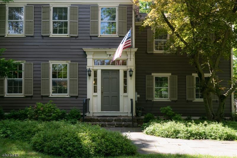 60 Princeton Ave - Photo 1