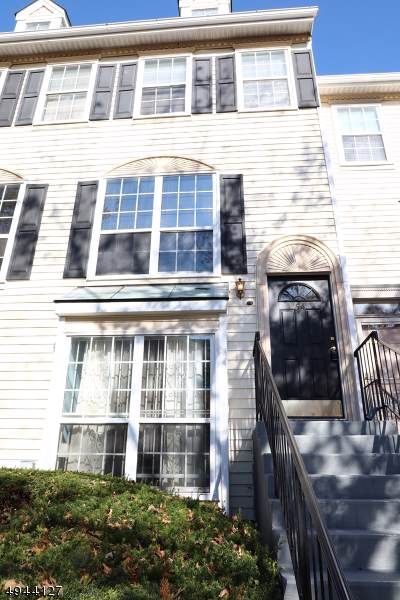 54 Howard Ct - Photo 1