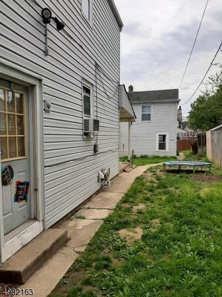 202 Lewis St, Phillipsburg Town, NJ 08865 (MLS #3633427) :: SR Real Estate Group