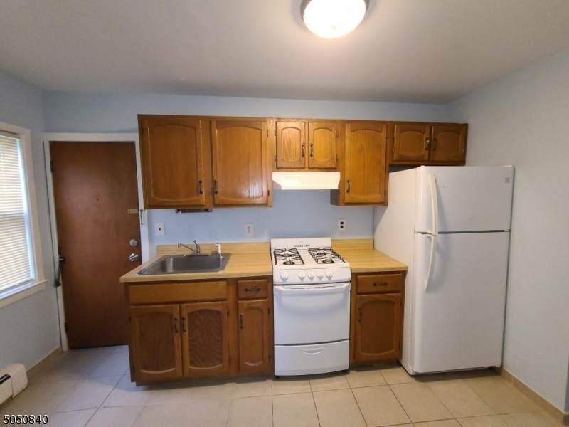 40 Harrison Ave  Unit 3 - Photo 1