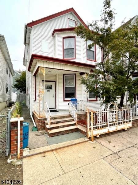 315 15Th Ave - Photo 1