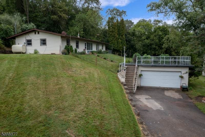 12 Valley View Ave - Photo 1