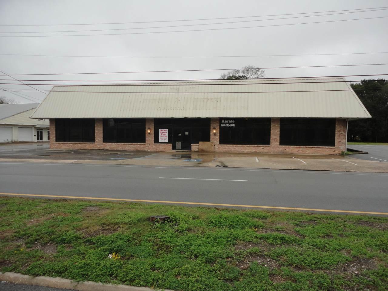 1711 Market St - Photo 1