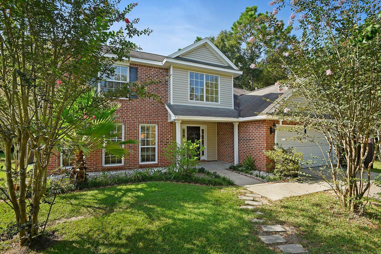 11220 River Bend Dr - Photo 1