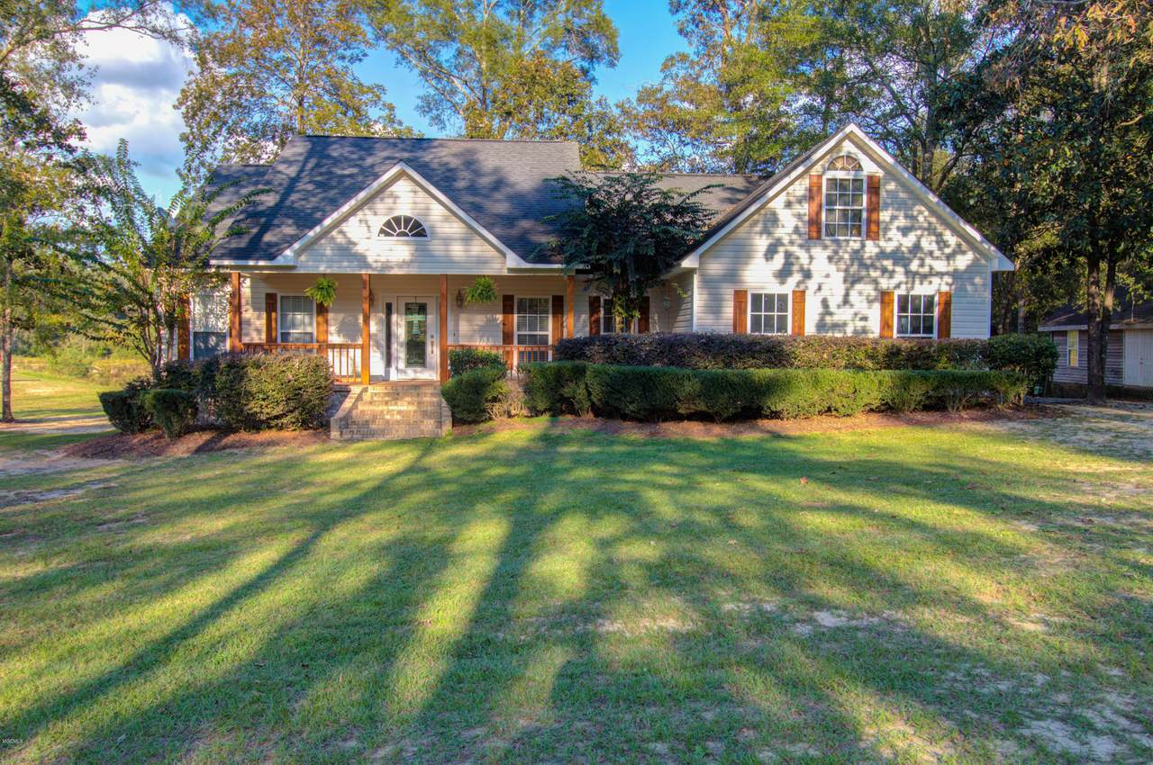 122 Rolling Woods Rd - Photo 1
