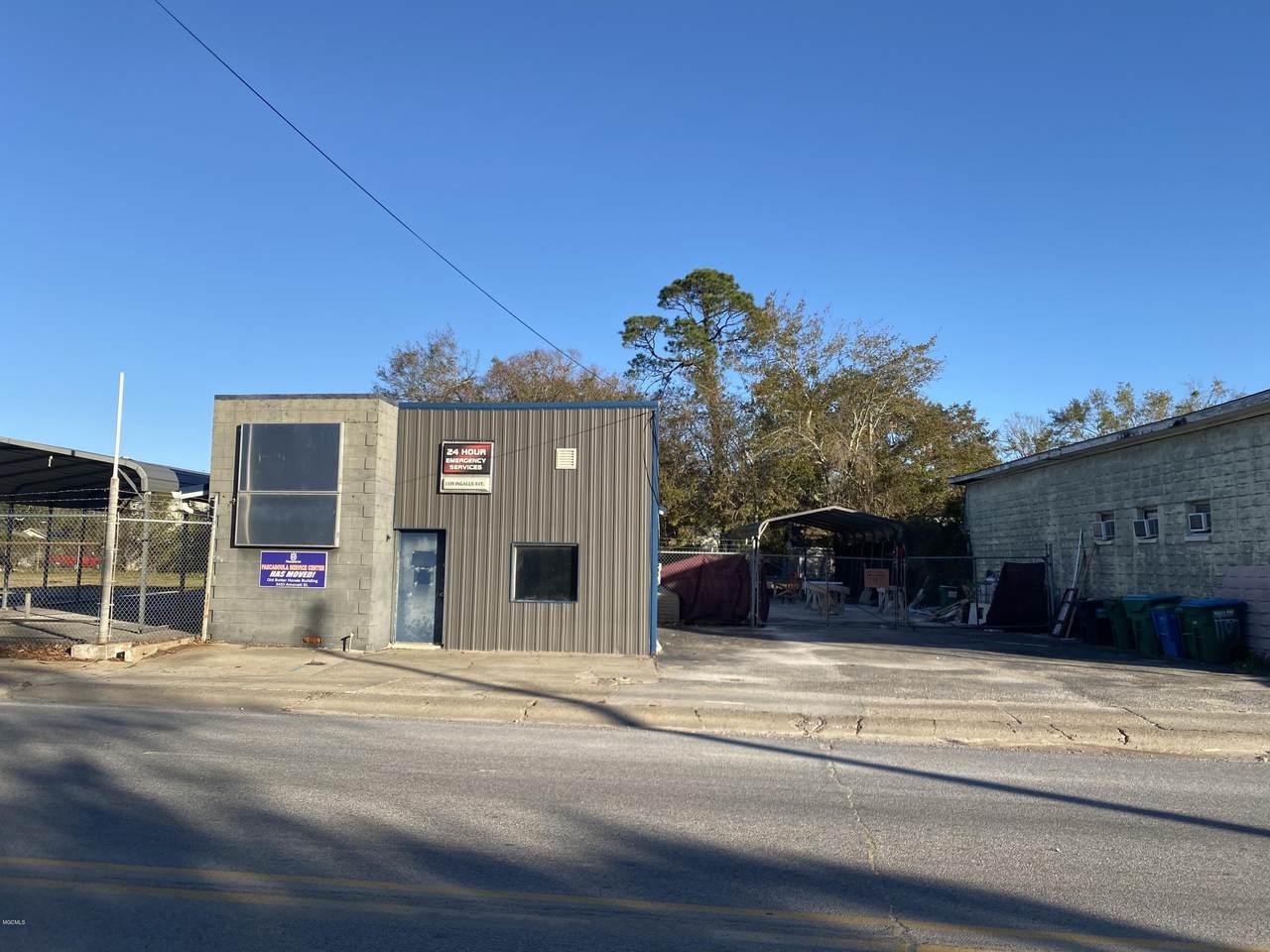 1105 Ingalls Ave - Photo 1