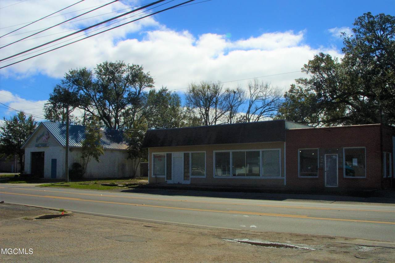 1708 Ingalls Ave - Photo 1