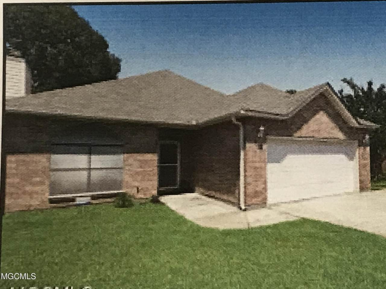 4020 Southern Oaks Dr - Photo 1