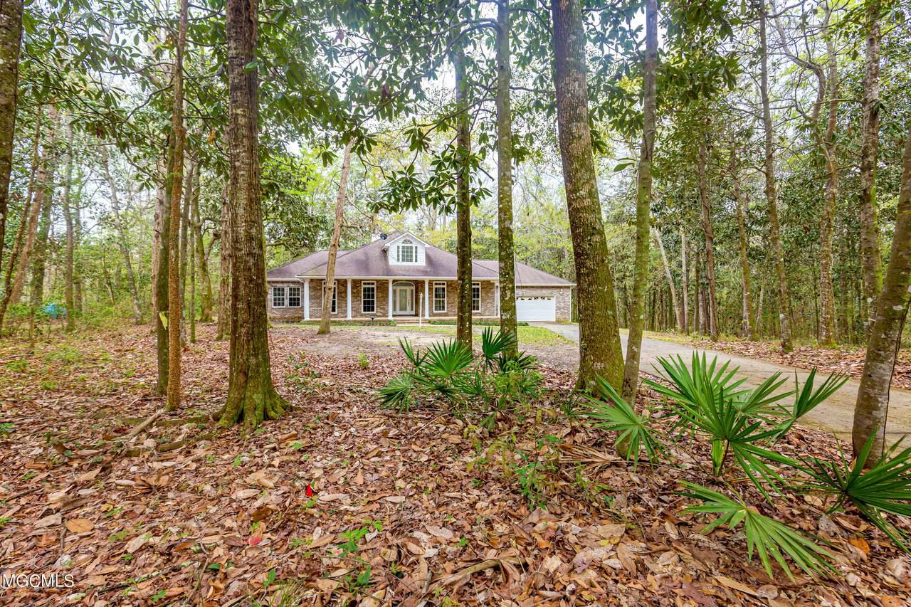 1405 Magnolia Bluff Dr - Photo 1