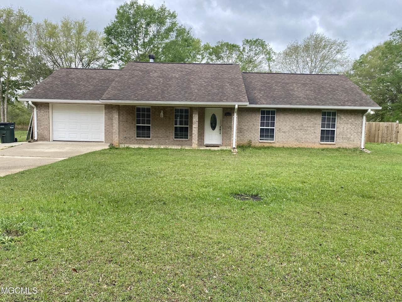 5018 Amy Lee Rd - Photo 1