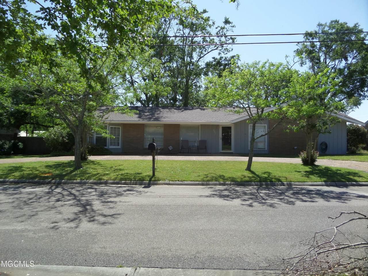 807 Mills Ave - Photo 1