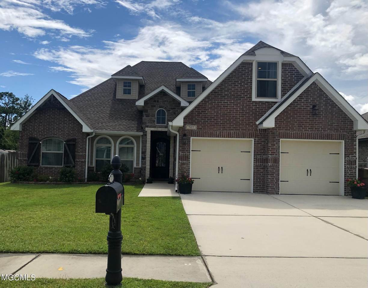 707 Champagne Dr - Photo 1