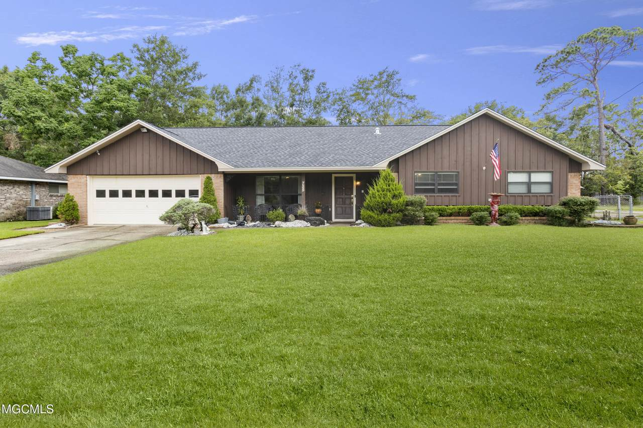 755 Holly Hills Dr - Photo 1