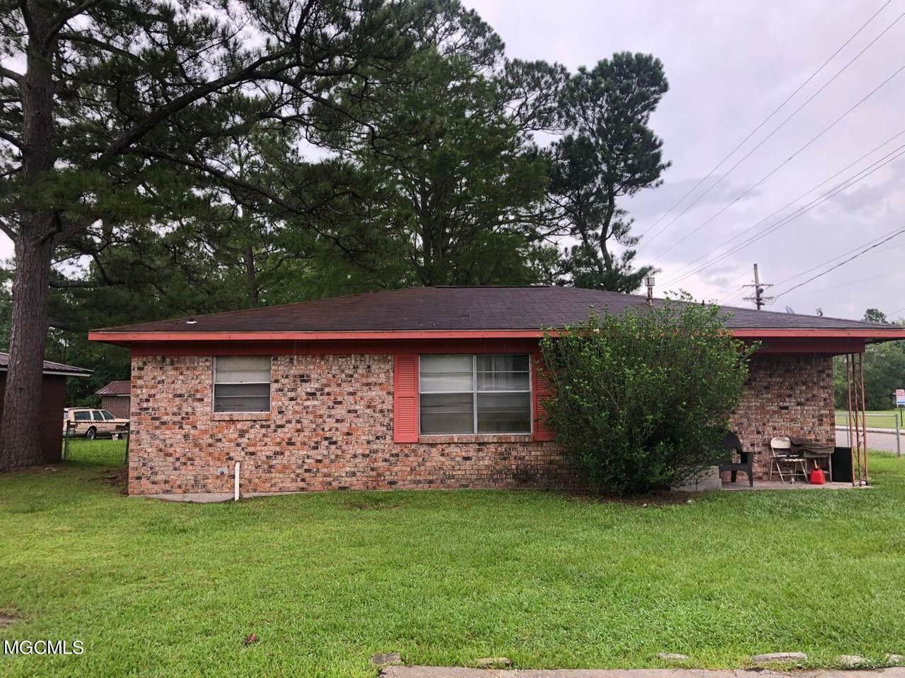 4200 Terrace Dr - Photo 1
