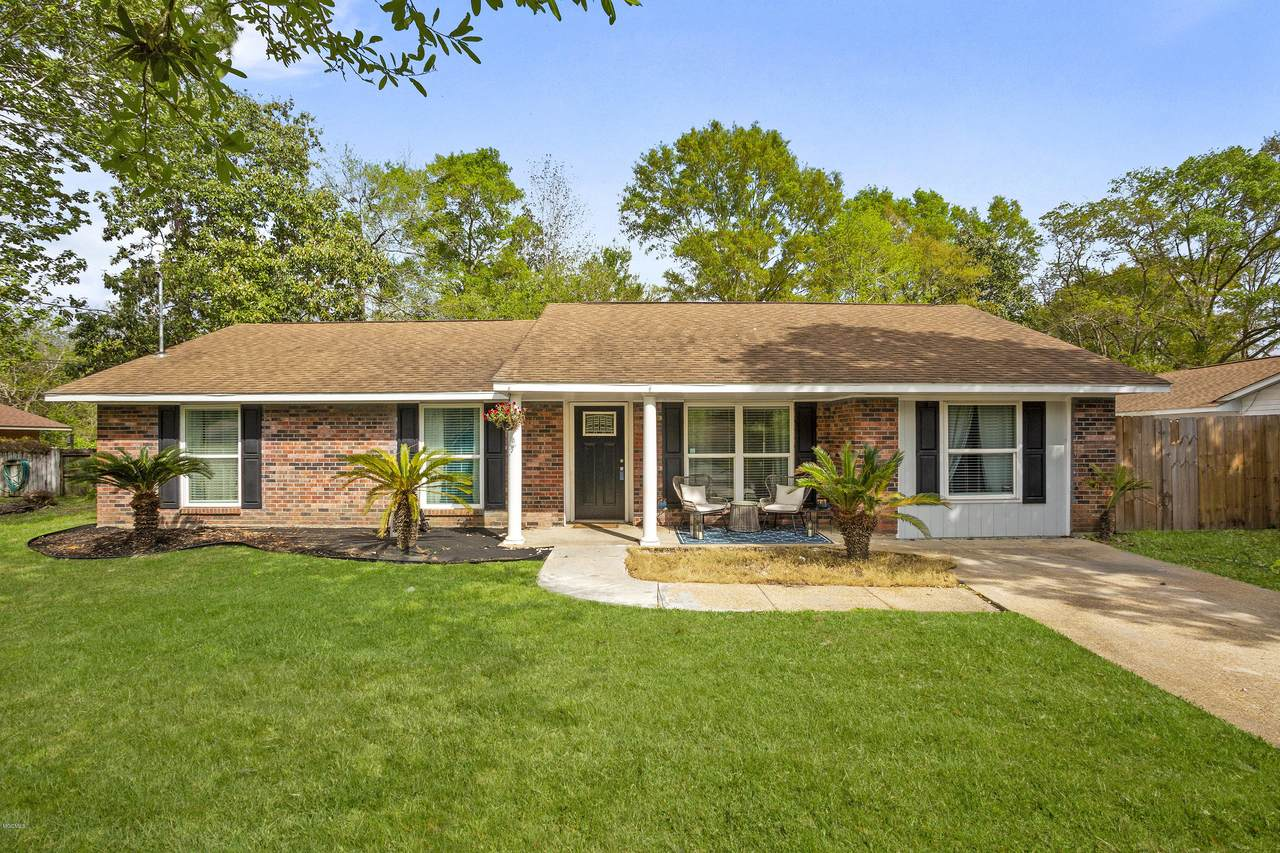 740 Holly Hills Dr - Photo 1
