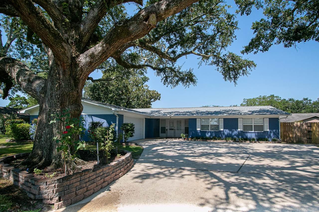 6 Villa Cove Dr - Photo 1