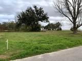 217 Oak Gardens Ave - Photo 1