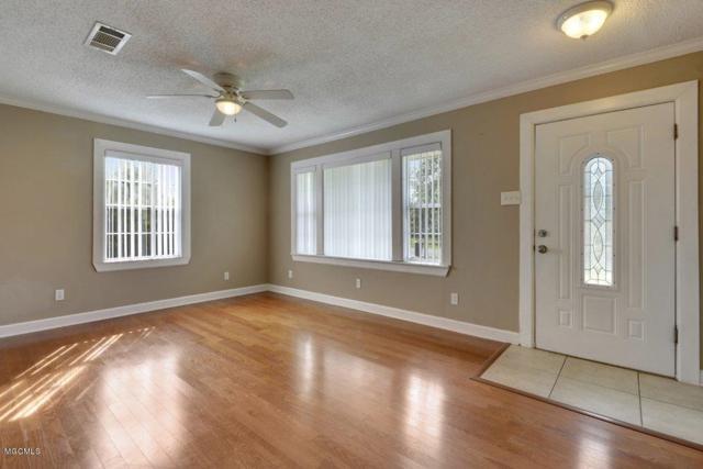 517 Demontluzin Ave, Bay St. Louis, MS 39520 (MLS #327897) :: Amanda & Associates at Coastal Realty Group
