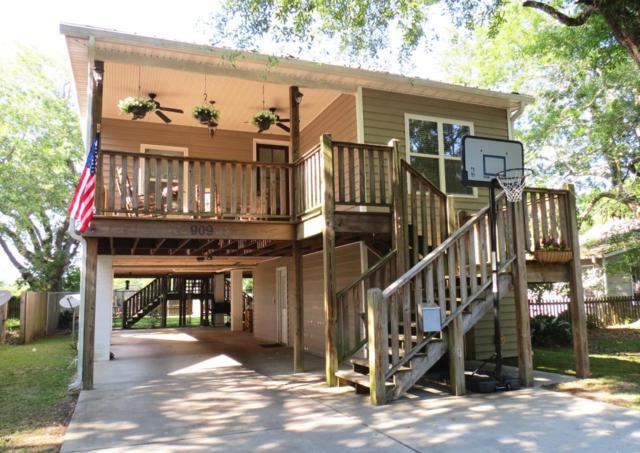 909 Lafayette Ave, Pascagoula, MS 39567 (MLS #333926) :: Amanda & Associates at Coastal Realty Group
