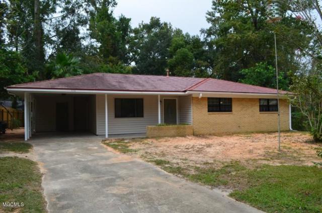 5119 Center Dr, Moss Point, MS 39563 (MLS #340050) :: Amanda & Associates at Coastal Realty Group