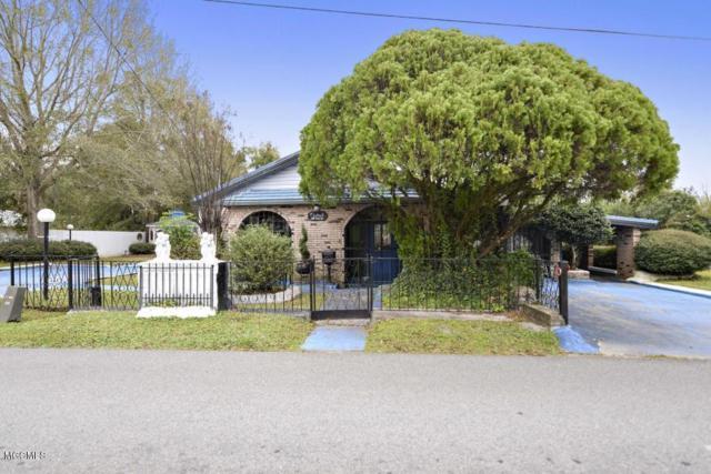 818 Handy Ave, Ocean Springs, MS 39564 (MLS #348392) :: Coastal Realty Group