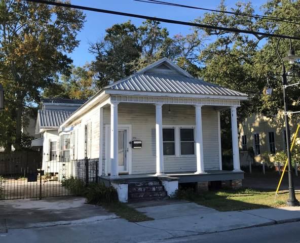 206 Main St, Bay St. Louis, MS 39520 (MLS #362553) :: Coastal Realty Group