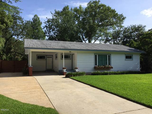 1916 Stuart Ave, Ocean Springs, MS 39564 (MLS #363555) :: Coastal Realty Group