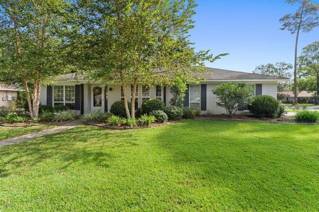 3410 Queen Elizabeth Dr, Ocean Springs, MS 39564 (MLS #367589) :: The Demoran Group of Keller Williams