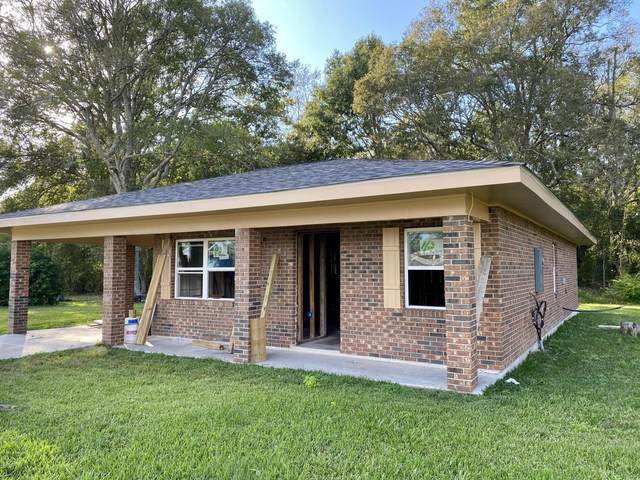 402 S Main St, Picayune, MS 39466 (MLS #367733) :: Exit Southern Realty