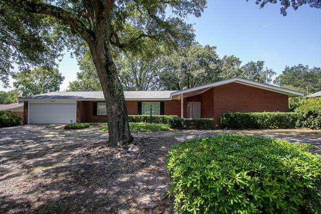 284 Oakwood Dr, Gulfport, MS 39507 (MLS #367864) :: Berkshire Hathaway HomeServices Shaw Properties