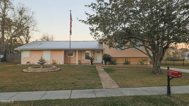 706 Holly Hills Dr, Biloxi, MS 39532 (MLS #369904) :: The Sherman Group
