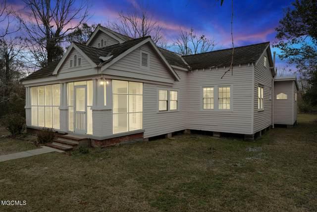 507 Jeff Davis Ave, Waveland, MS 39576 (MLS #370118) :: Berkshire Hathaway HomeServices Shaw Properties