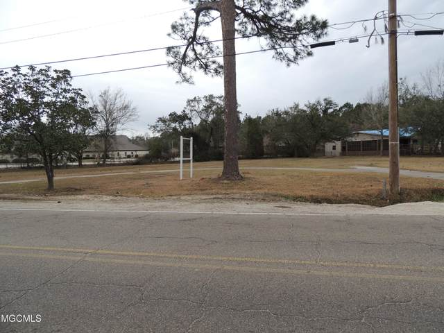 2005 Nicholson Ave, Waveland, MS 39576 (MLS #370611) :: Berkshire Hathaway HomeServices Shaw Properties