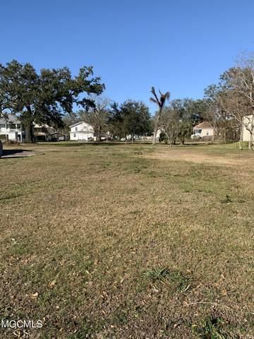 135 Holley St, Biloxi, MS 39530 (MLS #370711) :: Berkshire Hathaway HomeServices Shaw Properties