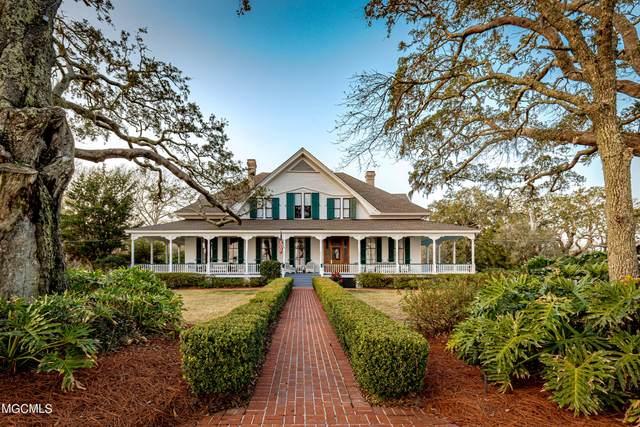 701 Graveline Rd, Gautier, MS 39553 (MLS #371627) :: Berkshire Hathaway HomeServices Shaw Properties