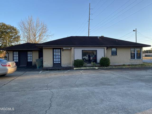 3102 Old Mobile Ave, Pascagoula, MS 39581 (MLS #371719) :: Berkshire Hathaway HomeServices Shaw Properties