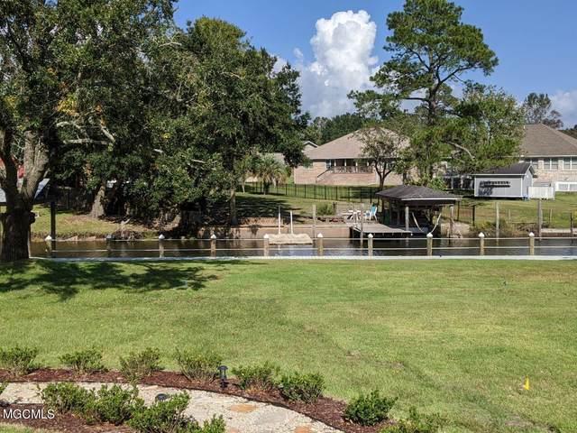 704 Holly Hills Dr, Biloxi, MS 39532 (MLS #371903) :: Coastal Realty Group