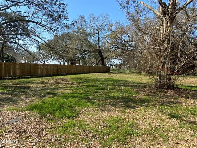 109 Pine Ave, Pass Christian, MS 39571 (MLS #372123) :: Coastal Realty Group