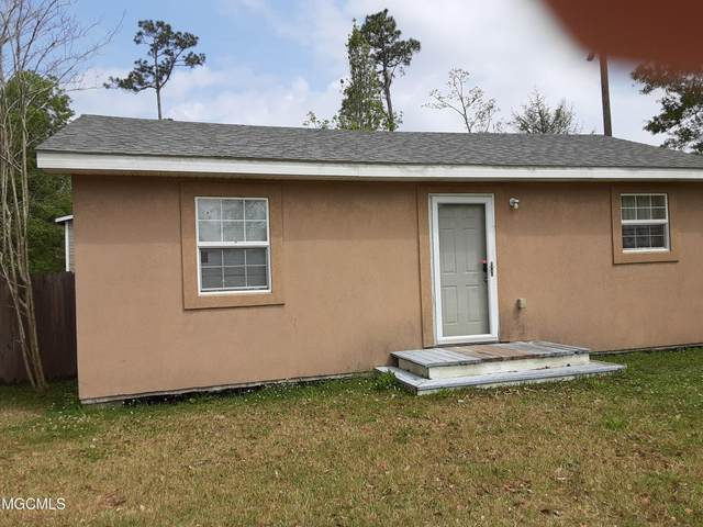 610 Dicks St, Waveland, MS 39576 (MLS #373244) :: Keller Williams MS Gulf Coast