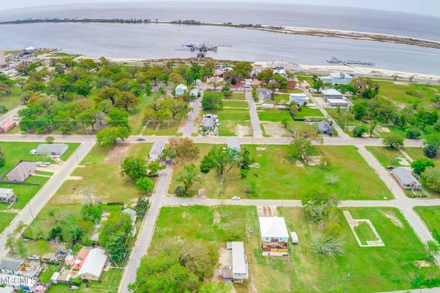132 Rosetti St, Biloxi, MS 39530 (MLS #373568) :: Berkshire Hathaway HomeServices Shaw Properties