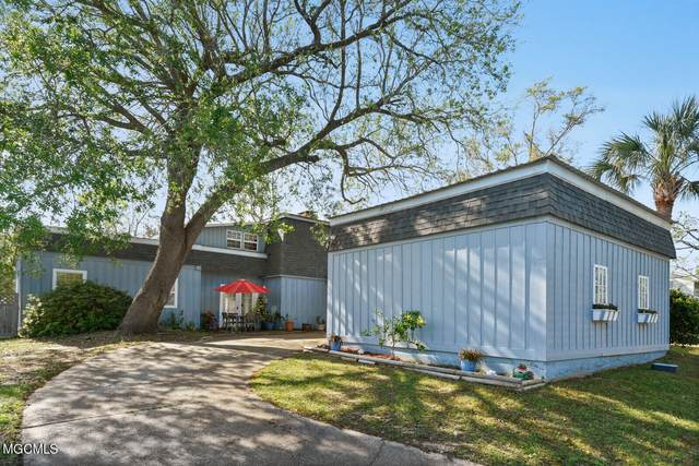 108 Palm Ave, Pass Christian, MS 39571 (MLS #373582) :: Berkshire Hathaway HomeServices Shaw Properties
