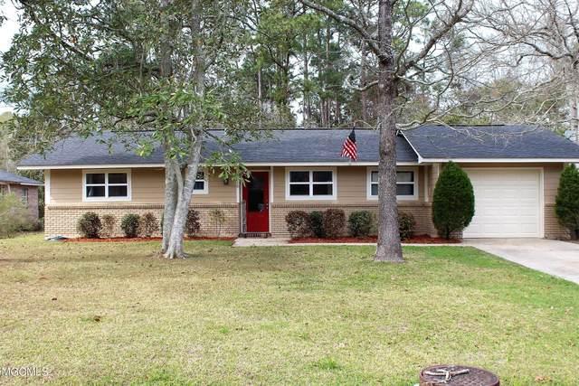 9116 Meadowlark Ave, Ocean Springs, MS 39564 (MLS #373681) :: Berkshire Hathaway HomeServices Shaw Properties